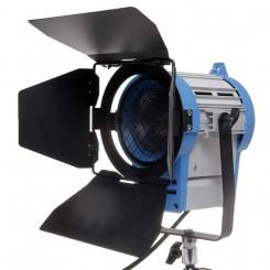 Iluminador Fresnel 650ws